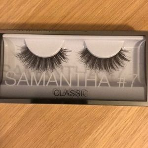 Huda Beauty eyelashes - Samantha